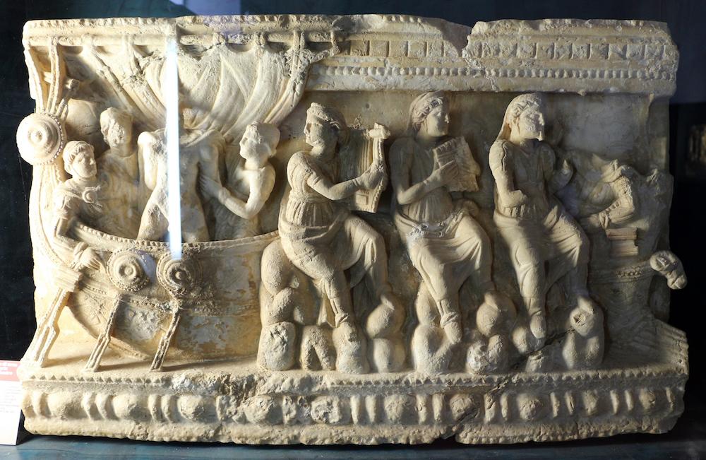 Urna in alabastro con Ulisse e le Sirene, Volterra, Museo Guarnacci