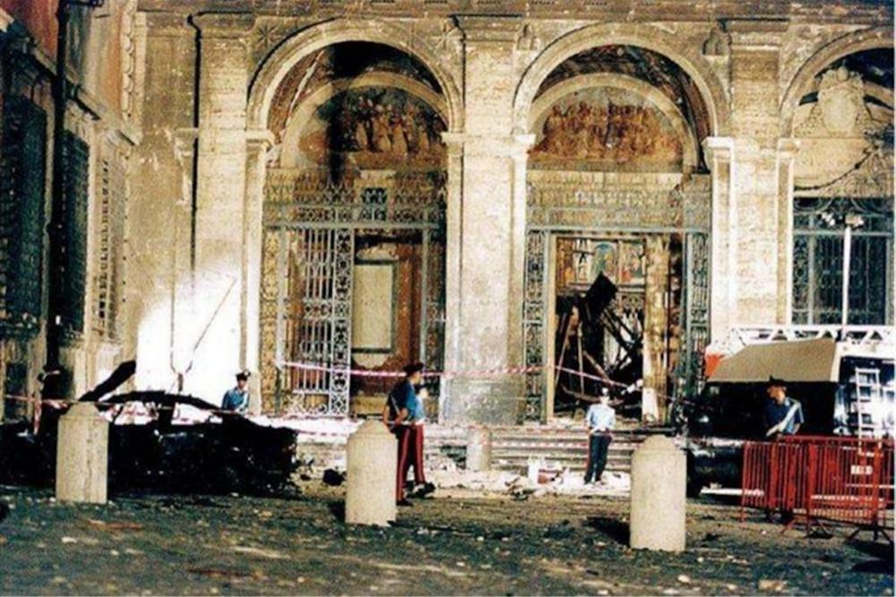 Roma, attentato alla Basilica di San Giovanni in Laterano, 1993.