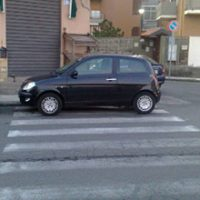 Parcheggio_sulle_strisce1_small