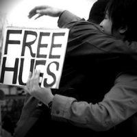 Abbracci gratis a Hibiya