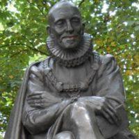 Statua Montaigne